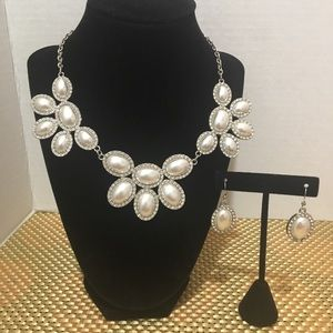 Charming Charlie pearl necklace earring set